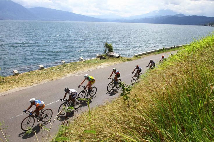 Tour de Singkarak http://indonesia.travel/id/event/detail/814/tour-de-singkarak-digelar-juni-2014