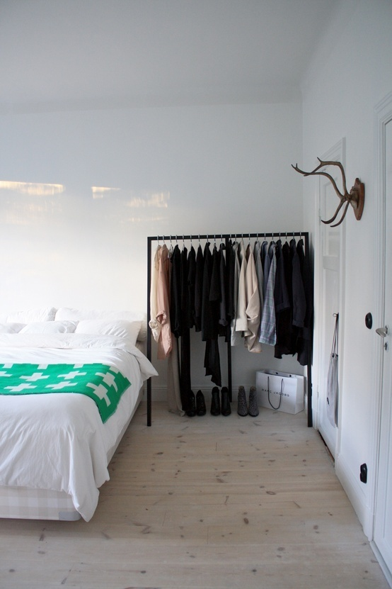 17 best images about simple minimalist living on pinterest for Simple minimalist bedroom