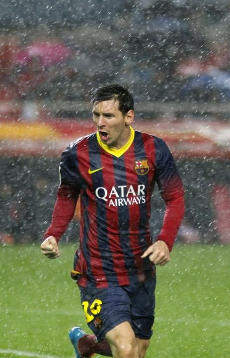 GRA351. SEVILLA, 09/02/2014.- El delantero argentino del FC Barcelona Leo Messi celebra el gol que acaba de marcar, el segundo de su equipo ...