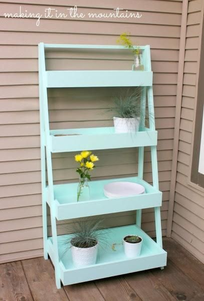 DIY: Haz tu propia estantería escalera en color MINT! | Decorar tu casa es facilisimo.com