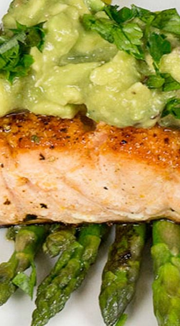 Seared Salmon with Spicy Avocado Sauce