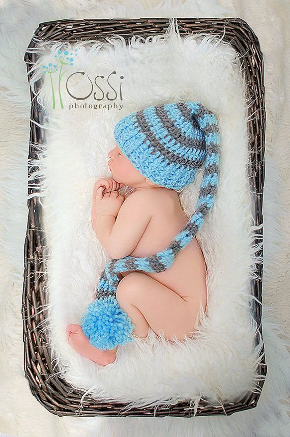 Crochet long tail elf hats for your newborn baby. This hat makes a very adorable hat for your baby boy and also is a fantastic photo prop for newborn.