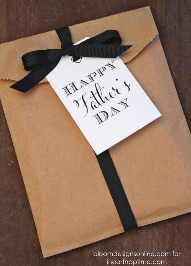 FREE Father's Day gift tags on iheartnaptime.com