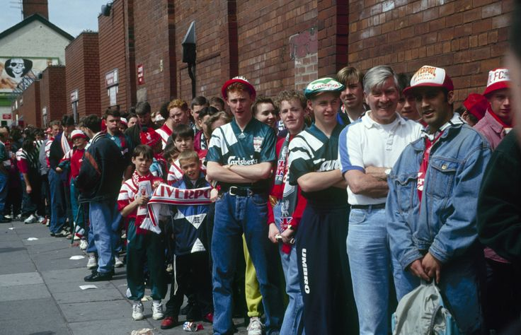 ♠ The Kop's last stand: April 30 1994. Fans line up for the last time to gain entry to the all-standing Spion Kop at Anfield. The game ended in a 1-nil defeat to Norwich but for those present, the day was always going to be about more than a football match on the pitch. #LFC #History