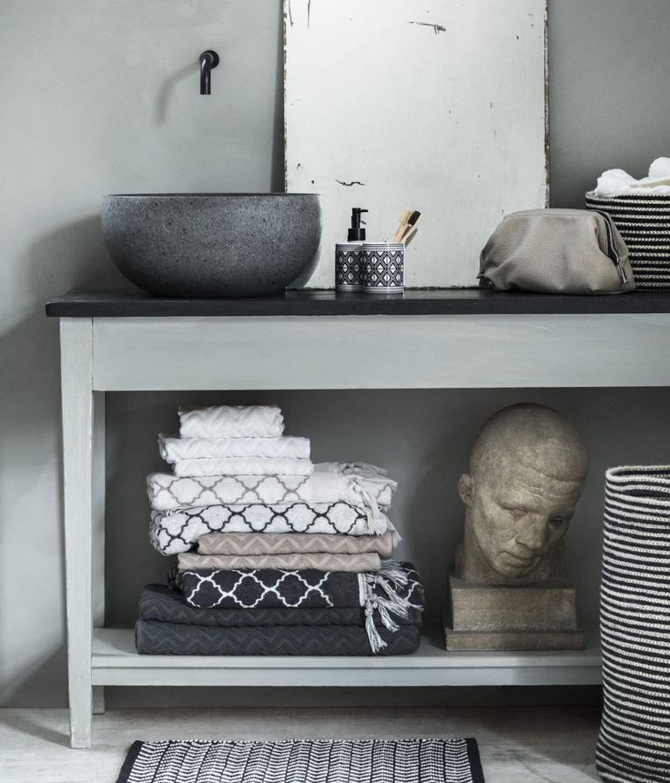 Jacquard-weave Bath Mat | Black/white patterned | Home | H&M US
