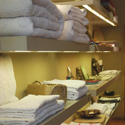 26 best boutiques images on pinterest boutique. Black Bedroom Furniture Sets. Home Design Ideas