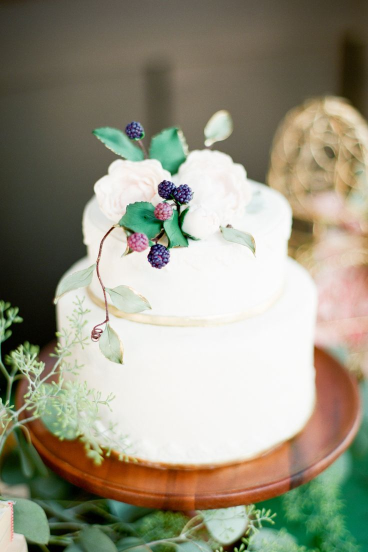 quick wedding cake recipes tip try an berry cake topper wedding 18937