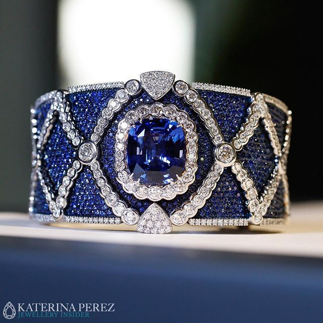 Masterpiece bracelet with an impressive #sapphire and #diamonds by #Miseno @miseno presented at #baselworld2016 @baselworld.2016  Photo credit: @martner for katerinaperez.com