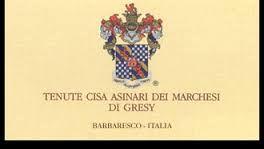 Verdeeld over de heuvels van Langhe en Monferrato heeft 'Marchesi di Gresy' haar wijngaarden liggen. Naast de klassieke productie van gelauwerde Barbaresco's, die pure klasse ademen, weet dit huis indruk te wekken met een ander principe: het planten van non-inheemse druiven.