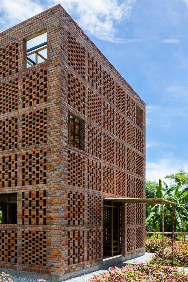 tropical-space-terracotta-studio-vietnam-designboom-02