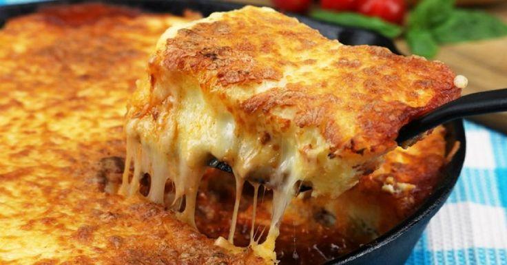 Lasagna provine din specialitatea bucătăriei italiene, caracteristica principală a acestei mâncări este poziționarea ingredientelor în straturi, adăugând sos. Prima rețetă de lasagna a fost menționată într-un manuscris, un fel de carte de bucate, care a