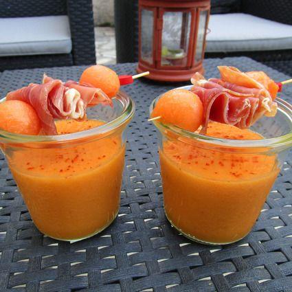Soupe de melon au miel et son jambon Serrano Testé et approuvé (ne mettre que la moitié des proportions d'eau )