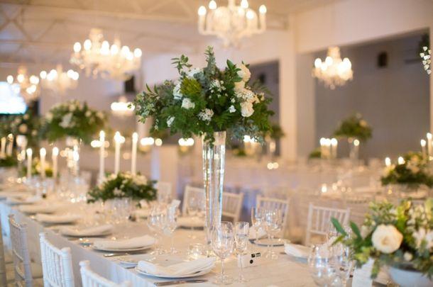 Classical white wedding decor