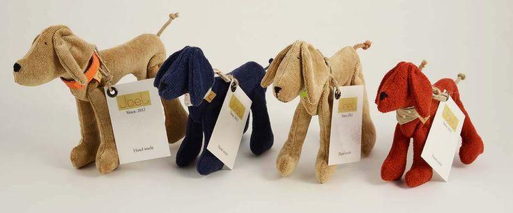 Joel handmade textile dogs http://www.magma.hu/muveszek.php?id=165