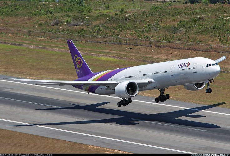 Boeing 777-35R/ER aircraft picture