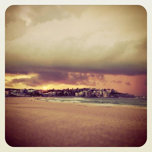 Magic Morning at Bondi #sunrise #atbondi #bondi #beach #morning #sydney #clouds #sky #stunning #australia #BenBuckler