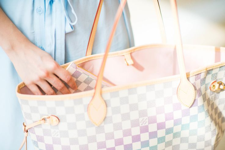 Louis Vuitton NEVERFULL MM Rose Ballerina summer Travel outfit - Luxy Theory