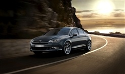 With its sleek lines and elegant styling, the Citroën C5 is a luxurious drive that both looks and feels good on the road.