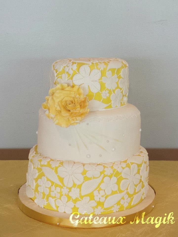 wedding cake  yellow lace
