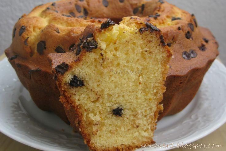 Portakal kokulu nefis bir kek...  Tarif annemden, benyarım ölçü olarak uyguladım ve annemin yöntemiyle keki soğuk fırında yani öncede...