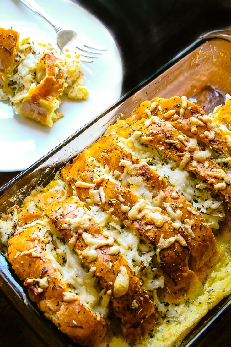 This has to be one of the seriously most irresistible dishes ever….We have created a party right here with crab, butter, bread, cream, Parmesan cheese, Italian herbs and fresh parsley to name a few ingredients. Yumilicious. Make and share this crab bread pudding at your next get-together and you will have a party 🙂 I …