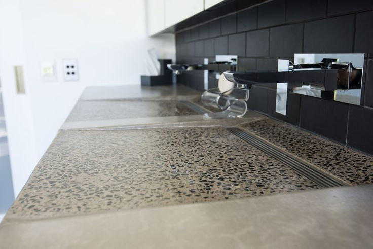 Double concrete sink by @concreateau #concreate #concretesink #doublesink #bathroom