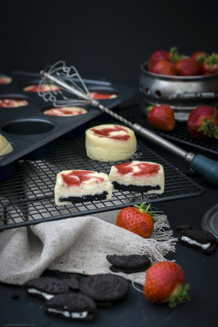 Mini-Cheesecakes mit Oreoboden und Erdbeerpüree - Lakeland Kooperation_-5