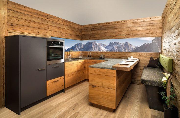 Landhausküchen aus Holz: Bilder & Ideen für rustikale Küchen im Landhausstil