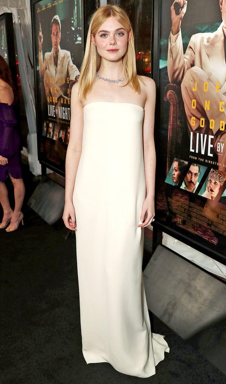 Elle Fanning in Oscar de la Renta column dress.