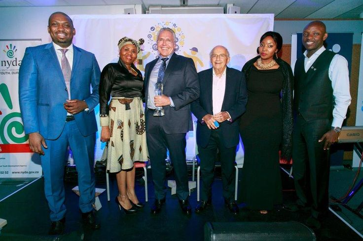 BOSASA Group CEO Gavin Watson was honoured with the Trail Blazer of the year award at the 2015 Step Up 2 A Start Up Awards ceremony held on 1 December 2015. He received this award for his commitment to transformation and economic empowerment in South Africa. This event and entrepreneurship programme is facilitated by Primestars Marketing.