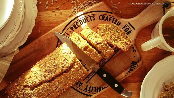 Ten chlebek ajurwedyjski bez problemu możesz upiec rano, nawet przed wyjściem do pracy, albo wieczorem, gdy mają przyjść niespodziewani goście. Wtedy...
