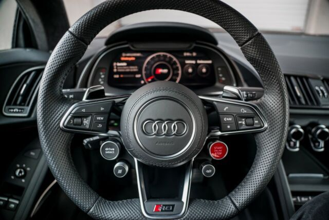 Audi R8 V10 Plus Luxury Pulse Cars Germany For Sale On Luxurypulse In 2020 Audi R8 V10 Audi R8 Audi