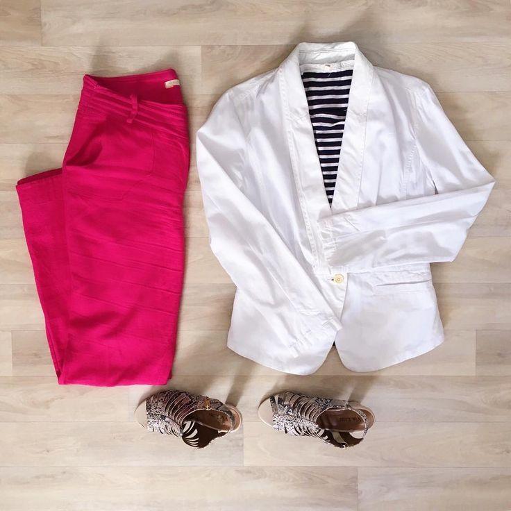 Look 6: Sabe aquela coordenação clássica estilo marinheiro? Ela também funciona, de uma forma mais doce, se trocar o vermelho pelo pink.  A sandália estampada também serve como contraponto pra deixar o look mais divertido, mas daria pra usar uma série de outras opções só aqui.    #ootd #lookdodia #30ideias30dias #decolalab2016 #decolalab #cores #estampas #comocombinar #outfitgrid #combinaem #1peca30looks #1peca30looksem