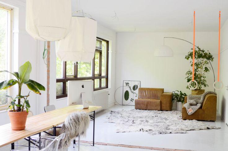 Light livingroom at Vacht Van Vilt Big rug and felted sheepskins