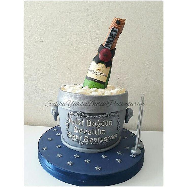 Buz Kovasında Şampanya Pastası @salihayukselbutikpastasarim Champagne bottle in ice bucket cake