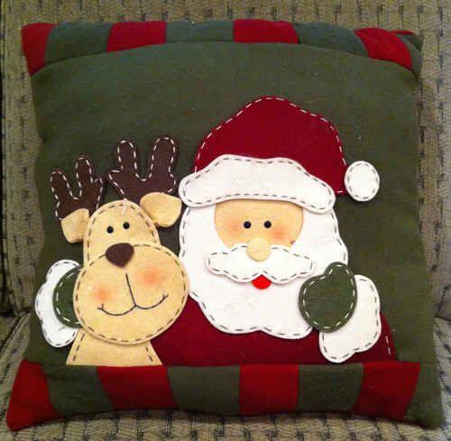 Santa Pillow \u2013 Free Pattern use santas and reindeers head as pattern for ornament & 52 best Christmas Pillow Ideas images on Pinterest | Christmas ... pillowsntoast.com