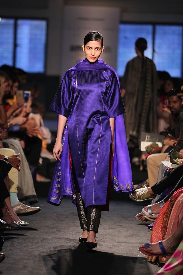 Contemporáneo Vestidos De Novia De La India Para Niñas Imagen ...