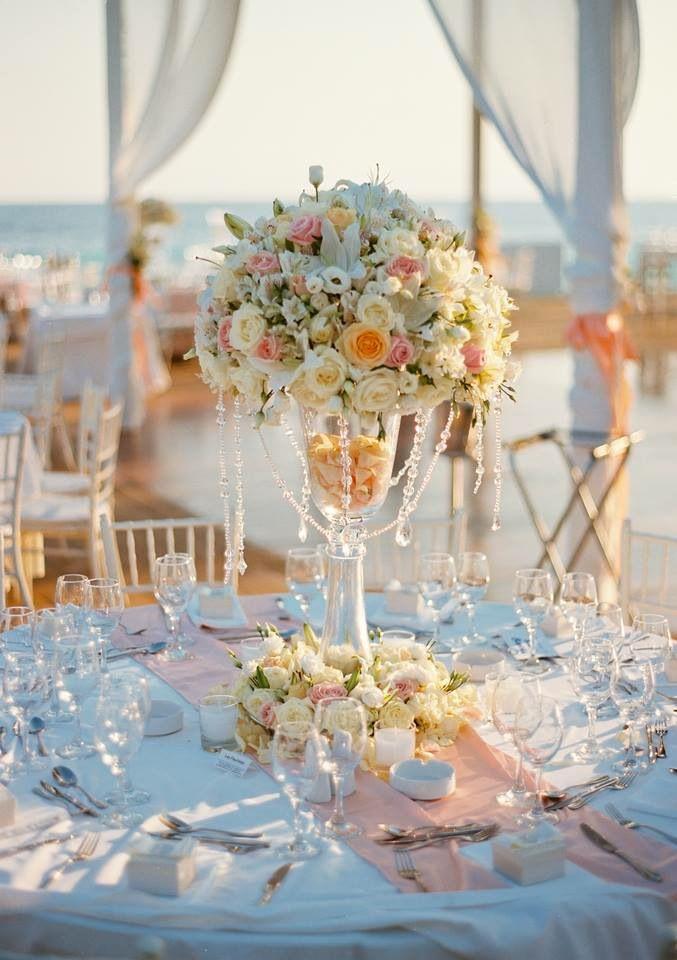 Ανθοστολισμός γάμου - βάφτισης στο #ViveMare #lesfleuristes #λουλούδια #ανθοσύνθεση #ανθοπωλείο #γλυφάδα #γάμος #βάφτιση #νύφη #δεξίωση
