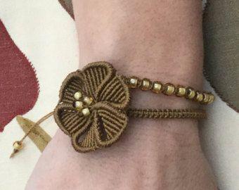 Macramè boho hippie bracelet with mandala flower by KnottedWorld