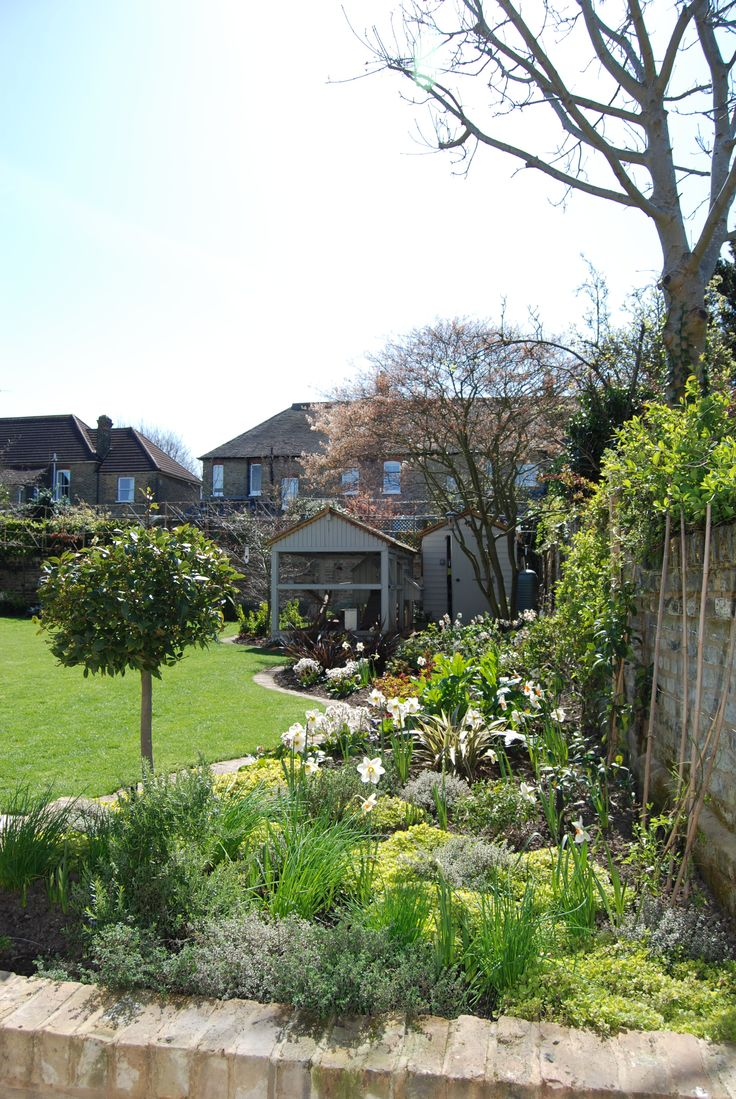 We created an herb bed, close to the kitchen, in this south-facing London garden.
