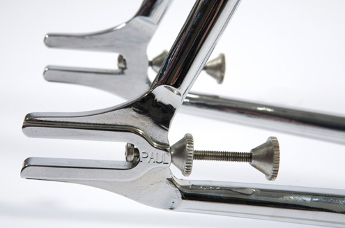 a very masterpiece drop-out and chain tensioner