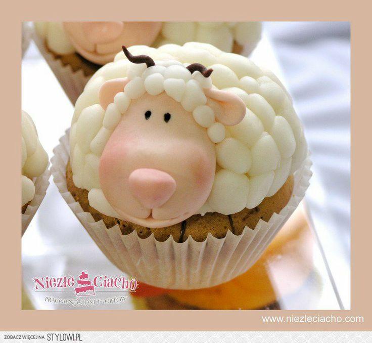 Cup cake, ciasteczko, babeczka, baranek, owieczka, cup cake z barankiem, cup cake z owieczką
