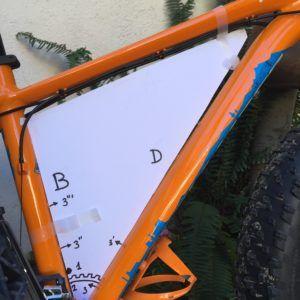 Las framebags (del inglés, frame cuadro y bag bolsa), son bolsas para transporte de equipaje que se colocan en el interior del cuadro de la bicicleta. Tienen una capacidad de una mochila pequeña (en torno a 20 litros) y son útiles tanto en viajes largos como en salidas de un solo día por montaña o carretera. En Estados Unidos se…