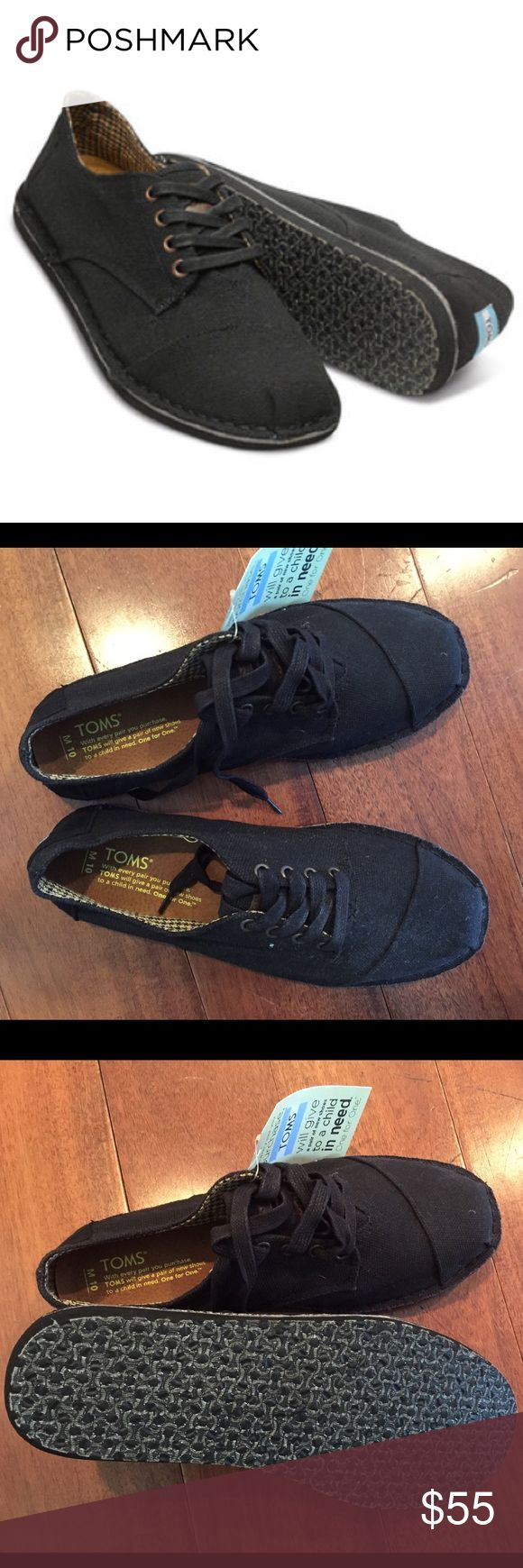 NWT men's short desert botas Never worn men's black Toms. Still have the tags on. Lace up and super comfy TOMS Shoes