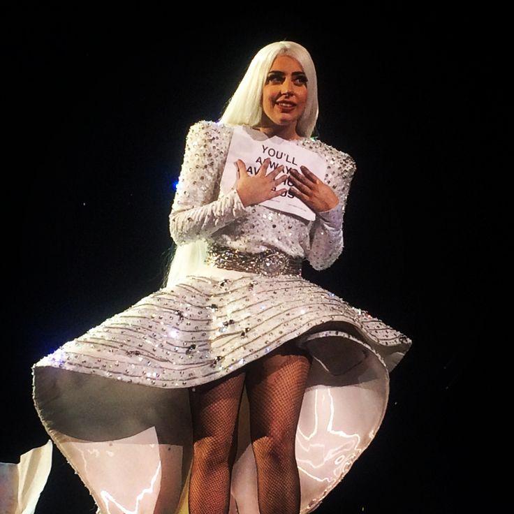 Lady Gaga 🌈 The Art Pop Ball