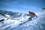 Lake Tahoe Ski Deals and Discounts 2013 / 2014: Some great turns at Squaw Valley!