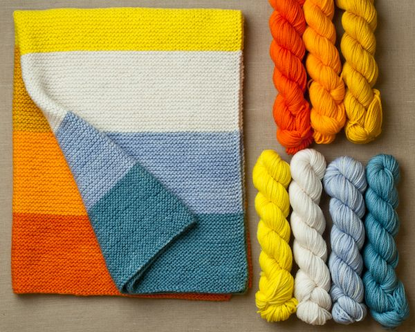 Love a cozy garter stitch blanket! And easy to knit for beginning knitters. >> Keep warm! Top 5 cosy blankets for winter. Which is your favourite?