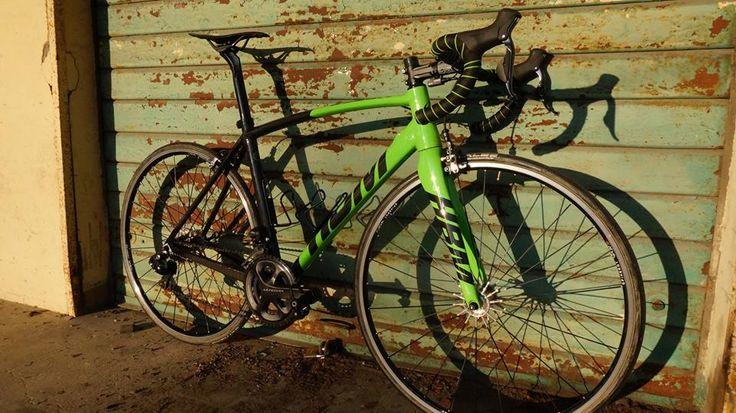 HBM Sleek electronic (SHIMANO GRUPPO DURA ACE DI2 9070 11V)  by HBM Bike Factory Arquata Scrivia (AL) Italy