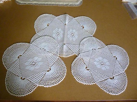 Vintage retro 3 piece crochet doily dressing table set. 1960