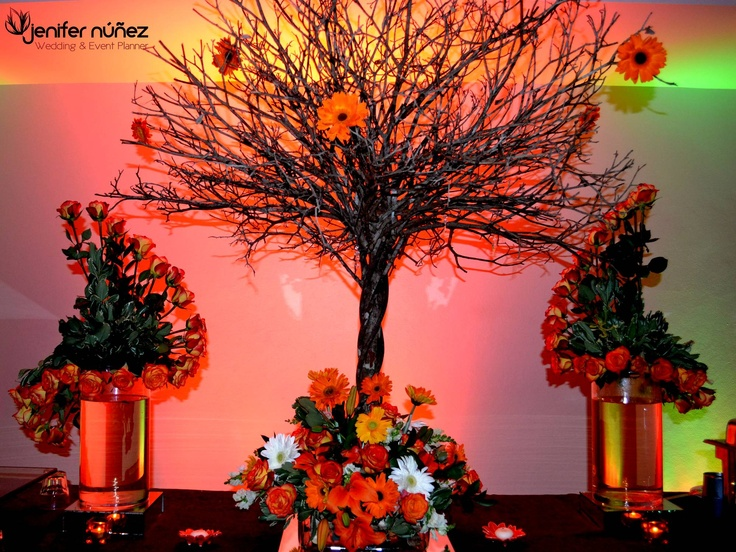 Charamico Decorado Con Rosas Y Gerberas Naranjas Blancas
